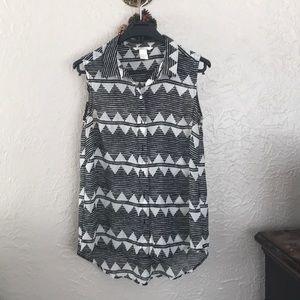Black and White dressy shirt.